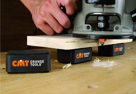 Juego de 4 soportes ideales para el marre de las piezas de trabajo sin que sea necesario utilizar abrazaderas. Disponen de una superficie antideslizante que bloquea el soporte a su mesa de trabajo