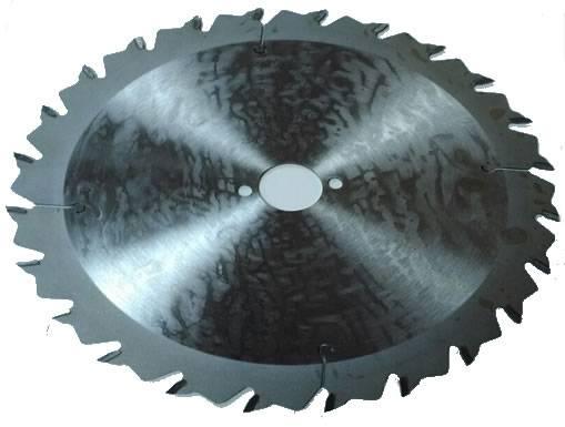 sierra de corte para cortes a favor de veta donde la placa de acero especial evita vibraciones. Máquinas: sierras múltiples con uno o dos ejes